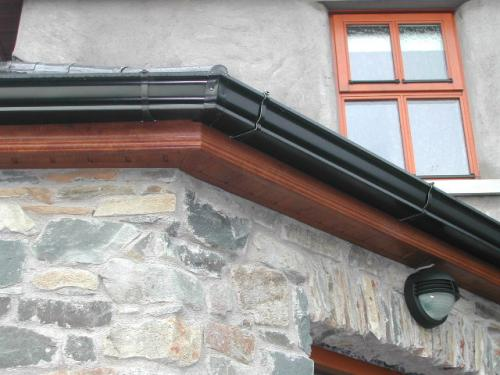 Soffit And Guttering (2)